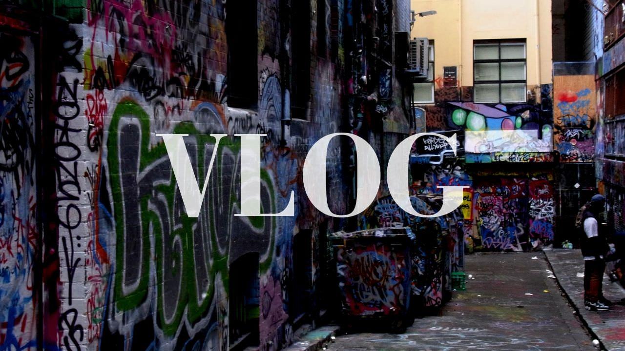 【初心者向け】低予算で本格的なVLOGを撮るおすすめカメラ・機材を紹介